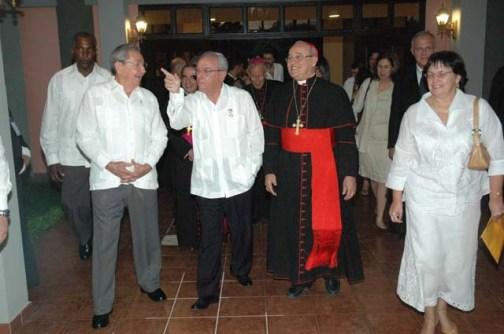 Resultado de imagen para foto de la SUMISION DEL cardenal jaime ortega alamino