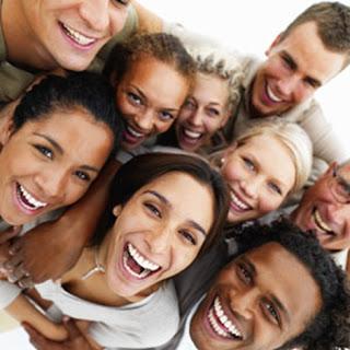 Resultado de imagen para foto de personas alegres